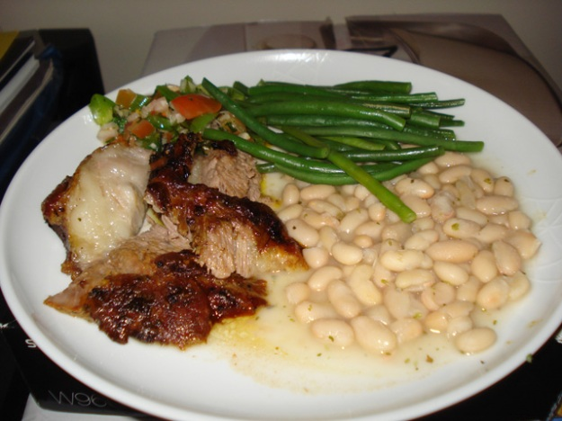 churro lamb with green beans, salsa and white beans