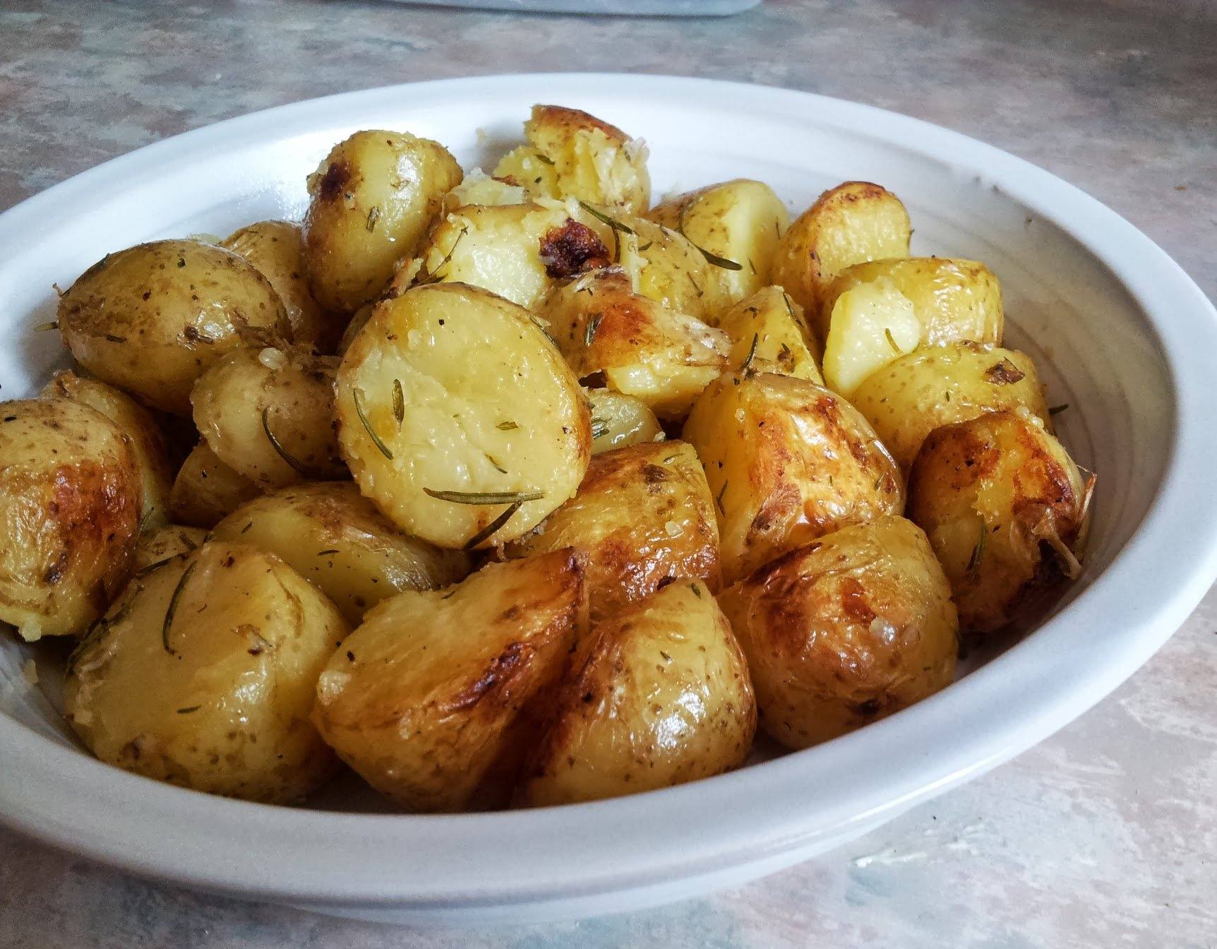 roasted new potatoes with rosemary and thyme